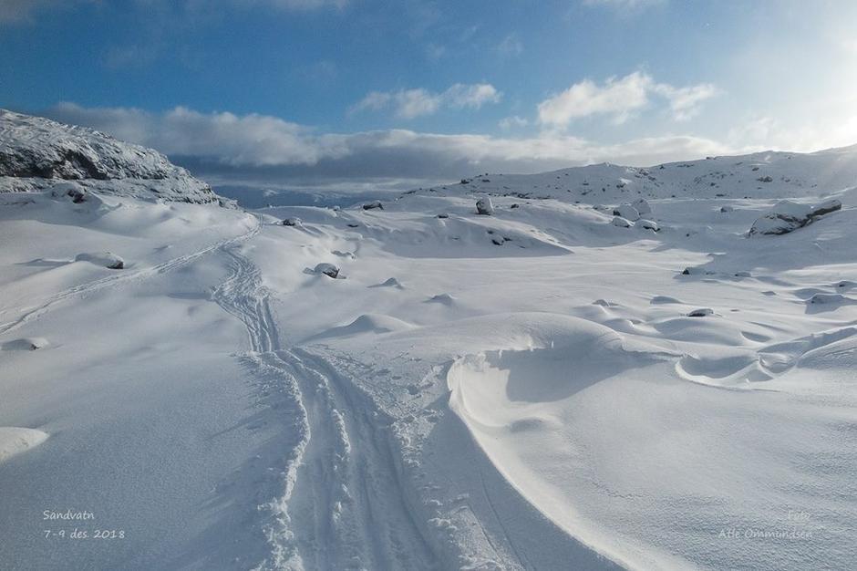 Mellom Blautevatn og toppen av Lysebekken, på vei mot Hunnedalen.