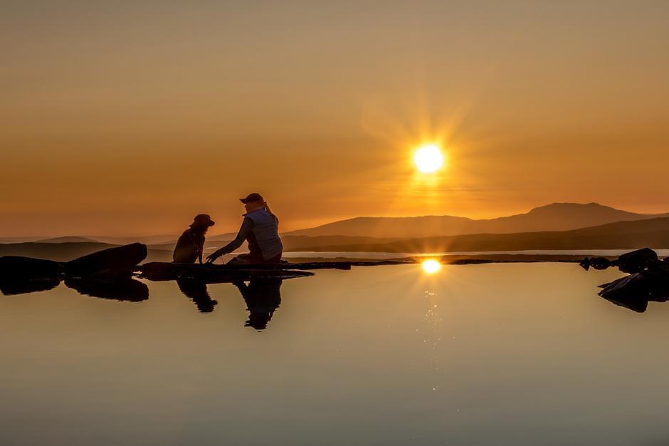 Solnedgang sett fra badekulp i Skardsfjellet.