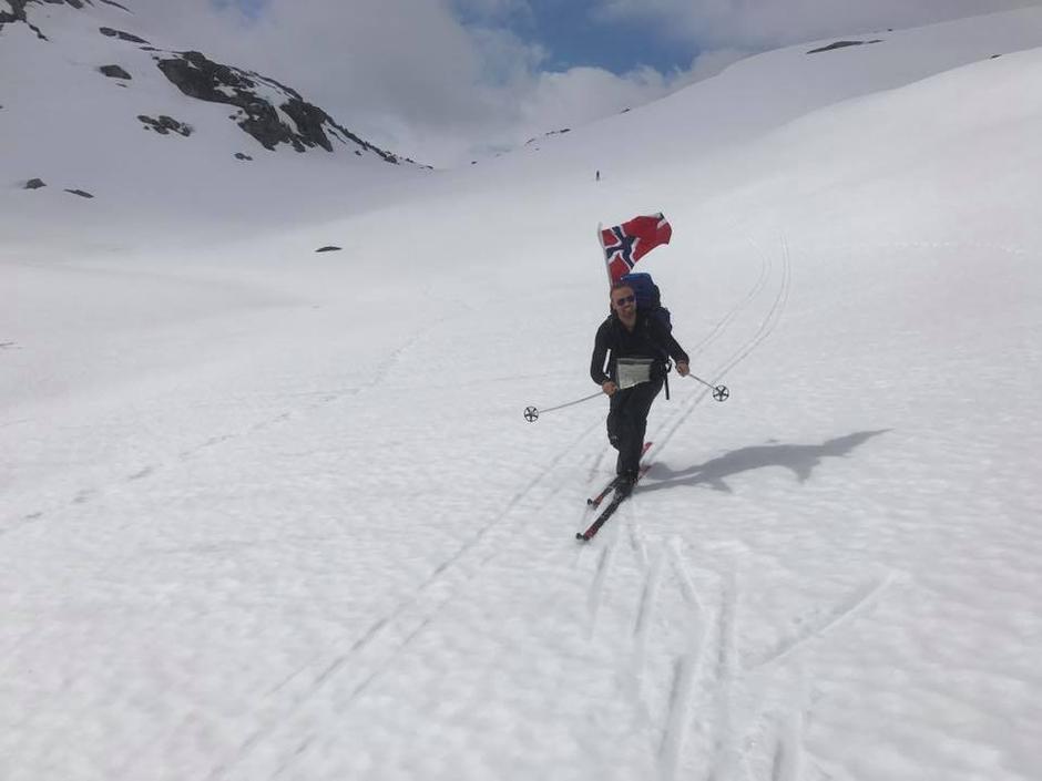 21. Mai Langedalen mellom Kjerag og Langavatn Snø minst til uke 23
