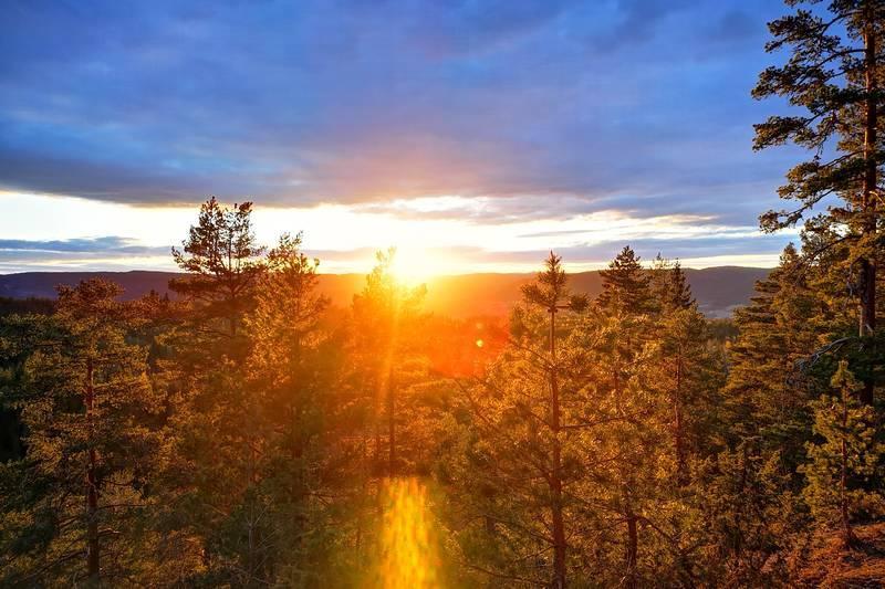 Vakker kveldssol fra Hannevoldhytta.