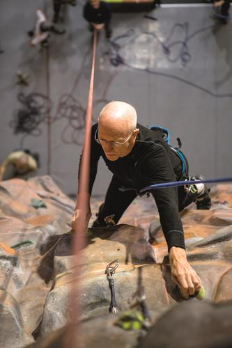 Ralph Høibakk var med på første norske ekspedisjon til Mt. Everest i 1985.