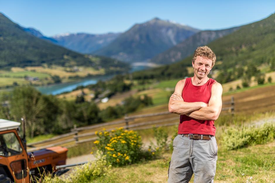 HØY KVALITET: Jotunmat og fjellgeit Hallvard Helland leverer kvalitetskjøtt av rein og storfe fra fjellbeiter i Jotunheimen.