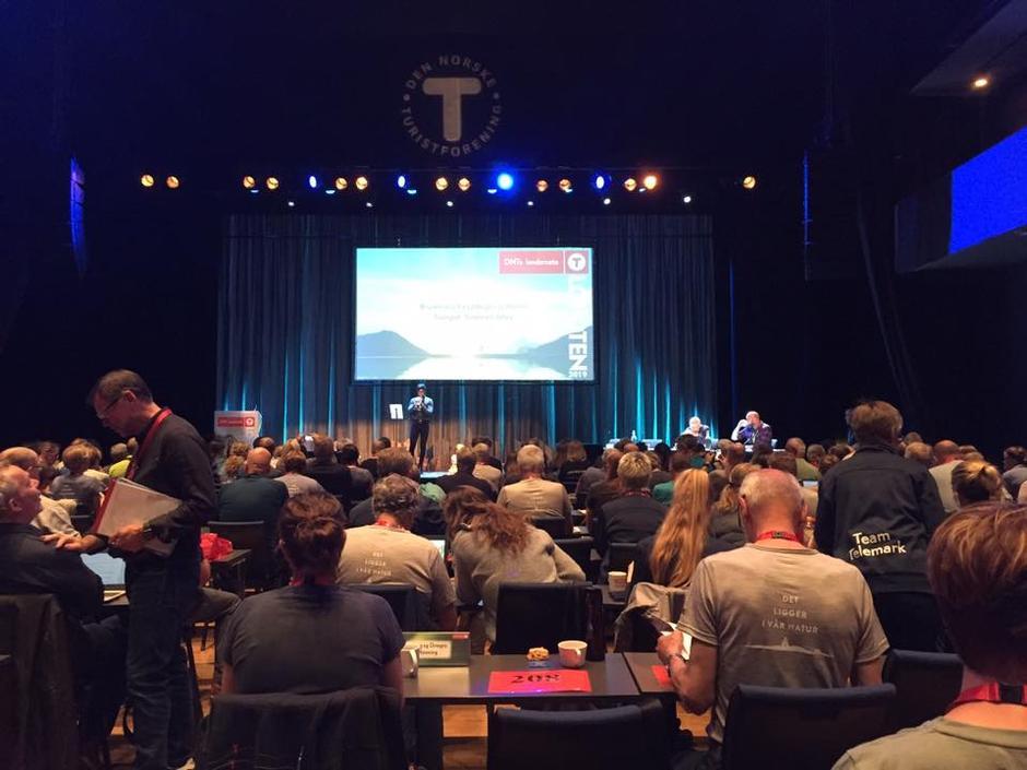 Landsmøtesalen med rundt 300 deltakere