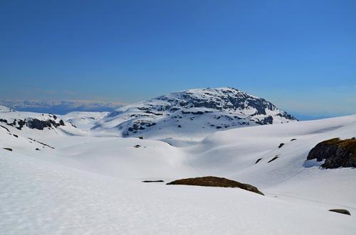 Skolapp og Fotasperrnuten frå oppgangen til Fuglafjell