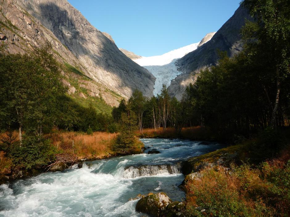 Høst breen - Briksdalsbreen Glacier in Stryn