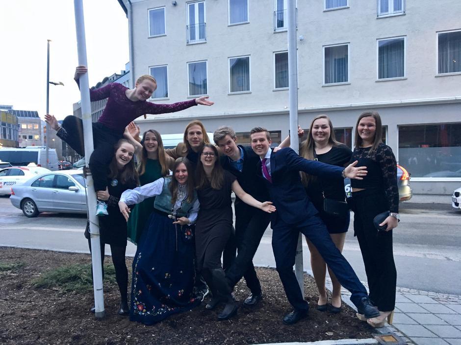 Ungdommer fra gruppene i Hordaland under DNT ung sitt landsmøtet i Drammen