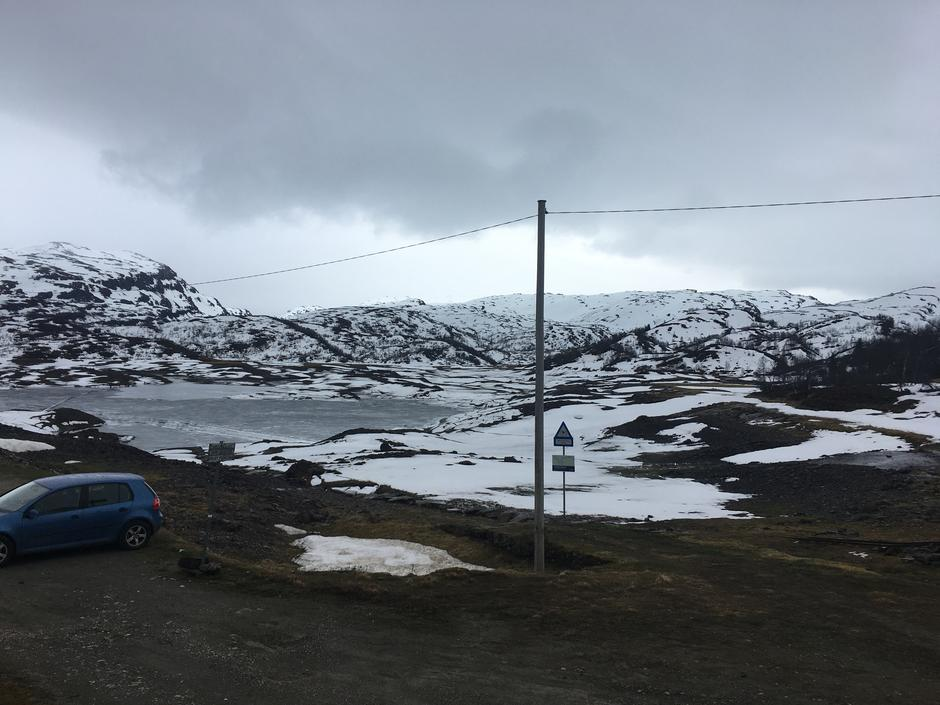 Tirsdag 16.5: Hamlagrøosen i Bergsdalen. Vinteren på hell.