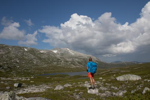 Mot Svartvasstinden i nord. Foto tatt fra sørsiden av Søren Gabrielsensvatnet