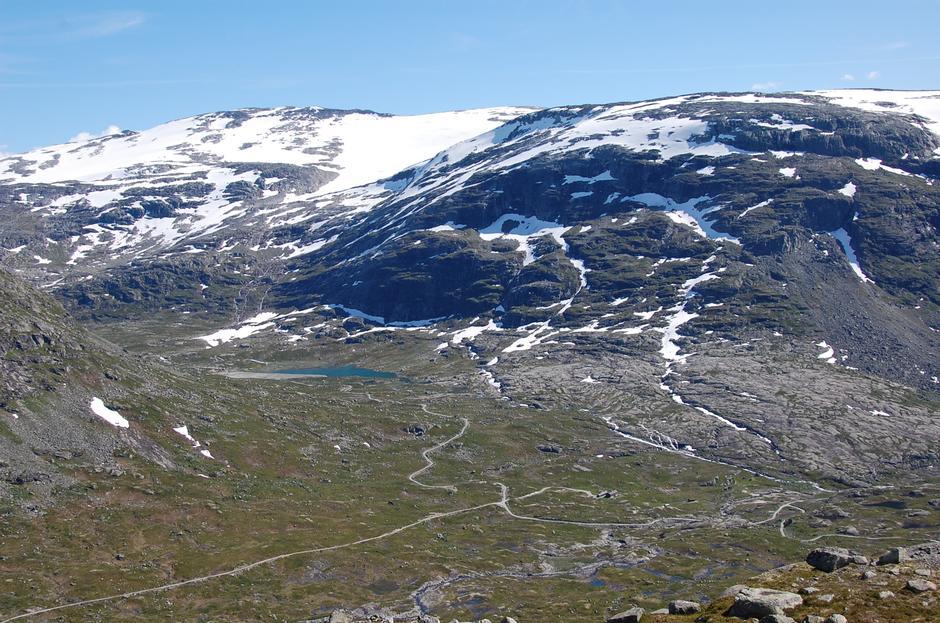 På vei ned til Nørdstedalseter fra Arentzbu. Foto: Halvor Bakken