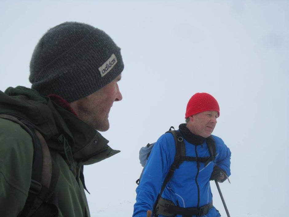 Turleiar Nils Oma i prat med Ole Johnny Sie.