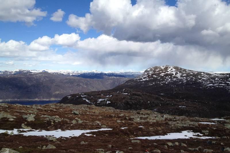 Utsikt østover mot Gunlanuten.