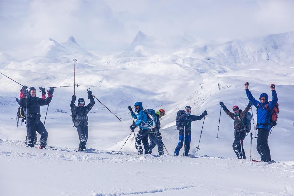 GRUNN TIL Å JUBLE: DNT er i voldsom vekst og det gir ekstra grunn til å juble, som her på fellestur med DNT fjellsport Bergen.