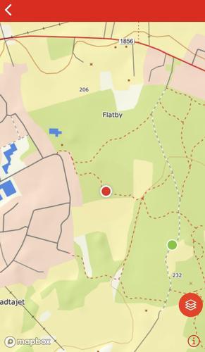Rød prikk er hvor du befinner deg, grønn prikk er hvor turmålet er.