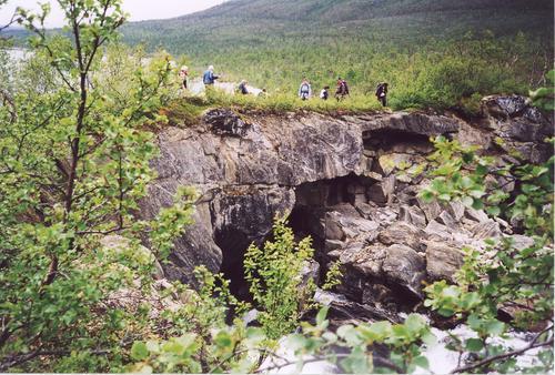 Jordbrua ved innløpet til Fellvatnet, ikke langt fra Fellvasstua