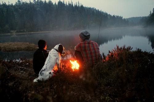 Kvelsdtur i Finnemarka. Nyter stillheten og bålet