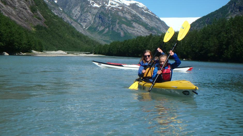 Nydelege padling på Veitastrondvatnet med Øyvind Korsøen i Go`kajakk onsdag og torsdag.