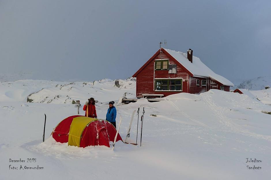 Noen foretrekker telt framfor fulle hytter!