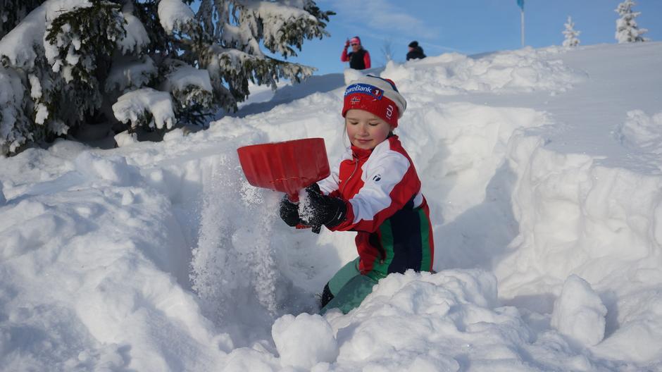 Ta med spade og lag skileikområde.