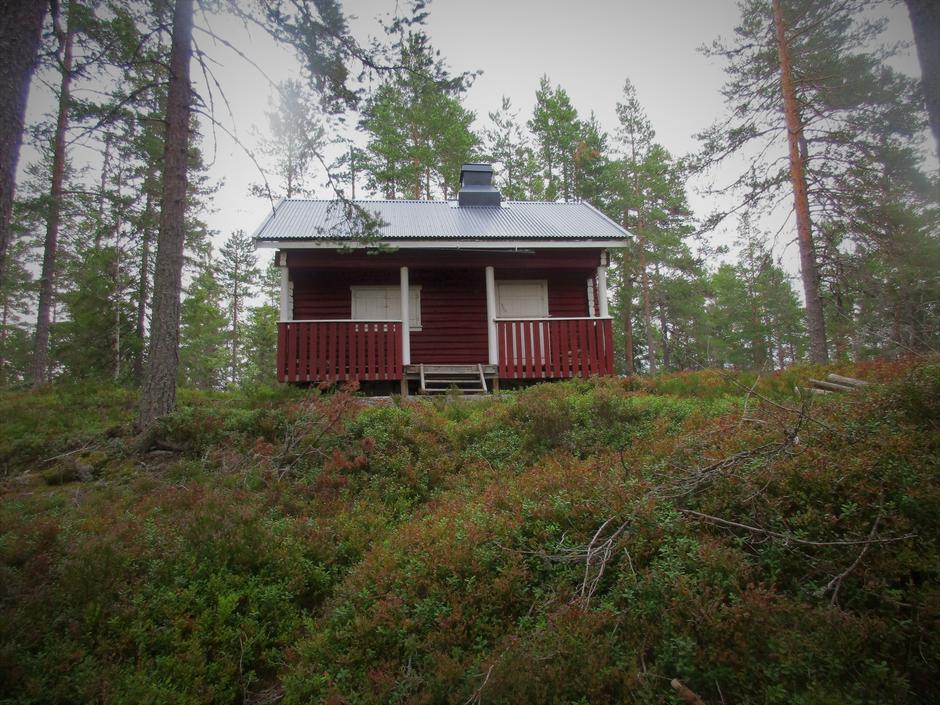 Koselig gammel hytte ved Fugletjern.