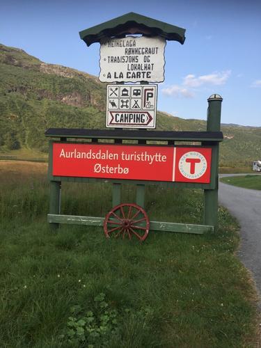 I slutten av juli hadde Seniorgruppa 2 dagers tur i Aurlandsdalen