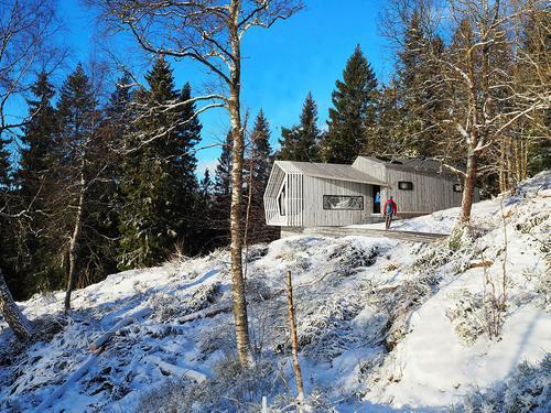 Skisse fra Snøhetta arkitekter, Fuglemyrhytta som bygges på Vettakollen, Oslo