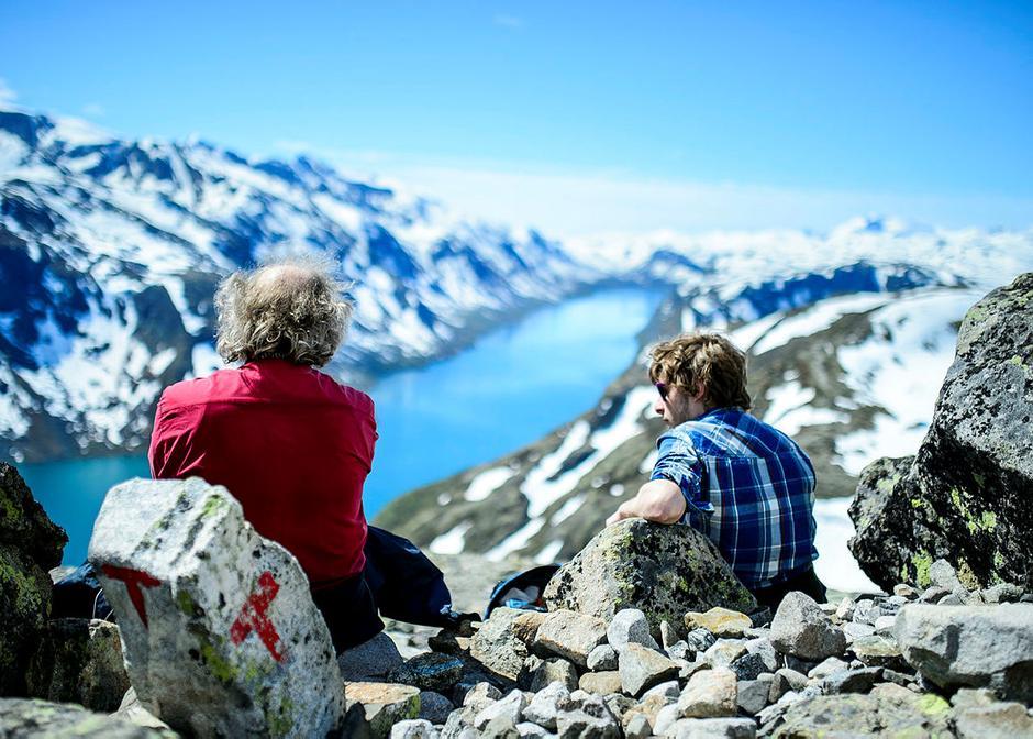 Tur over Besseggen. Et reisemål det er lett å reise kollektivt til.