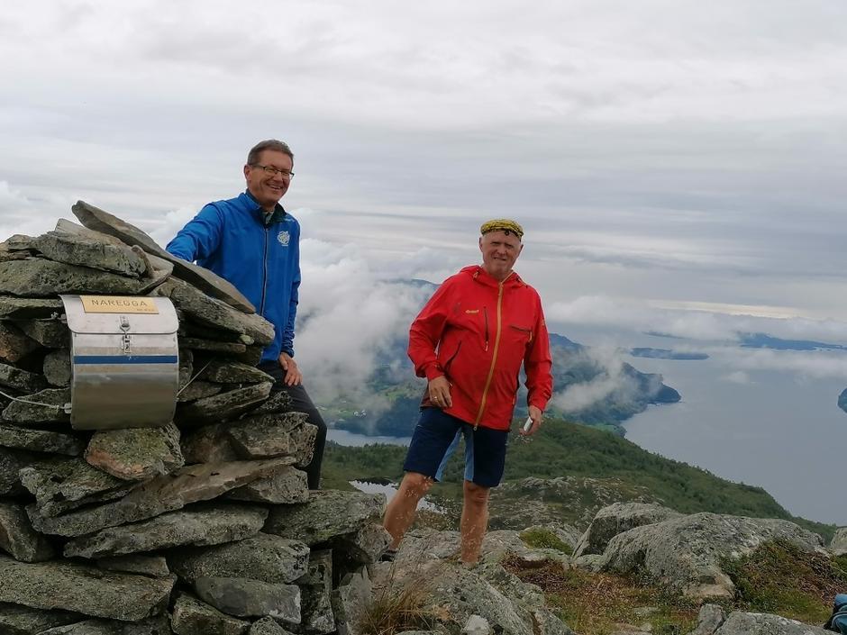 Kjell Befring og Anders Vie på toppen av Nareggja.