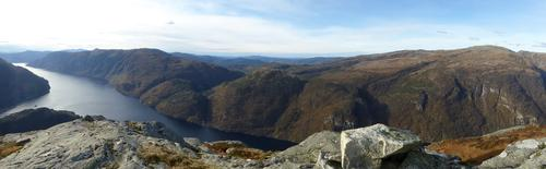 Utsikt fra Storafjellet mot Veafjorden