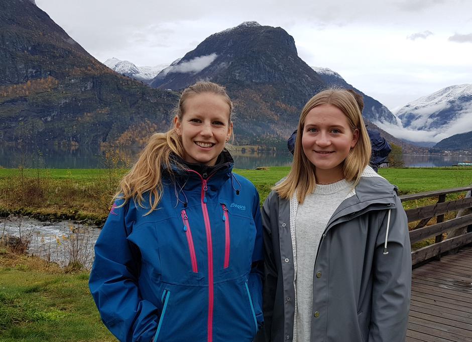 Jette Bergfjord, ny ungmedarbeidar og Kristine Tonning, leiar Ungutval