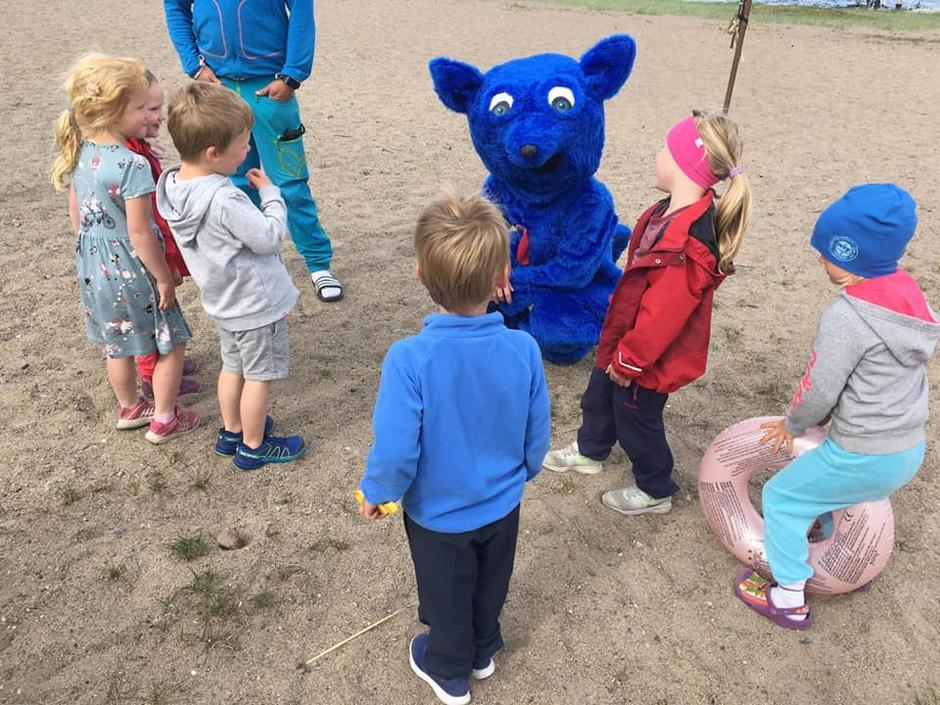 Telttur med Barnas Turlag på Storesand, Kirkøy. Turbo kommer på besøk.