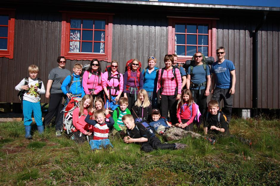Her fra Barnas Turlag Balsfjord sin første overnattingstur. Etterpå ville barne flytte til Rosta-hyttene!