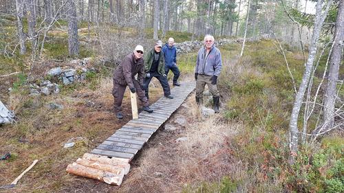Bysti har laget klopper på Åsen