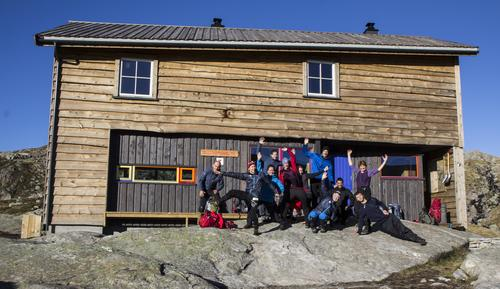 Administrasjonen i Bergen og Hordaland Turlag samlet på Gullhorgabu.