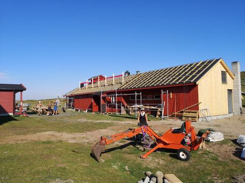 Solcelleanlegget på Rauhelleren nærmer seg ferdig