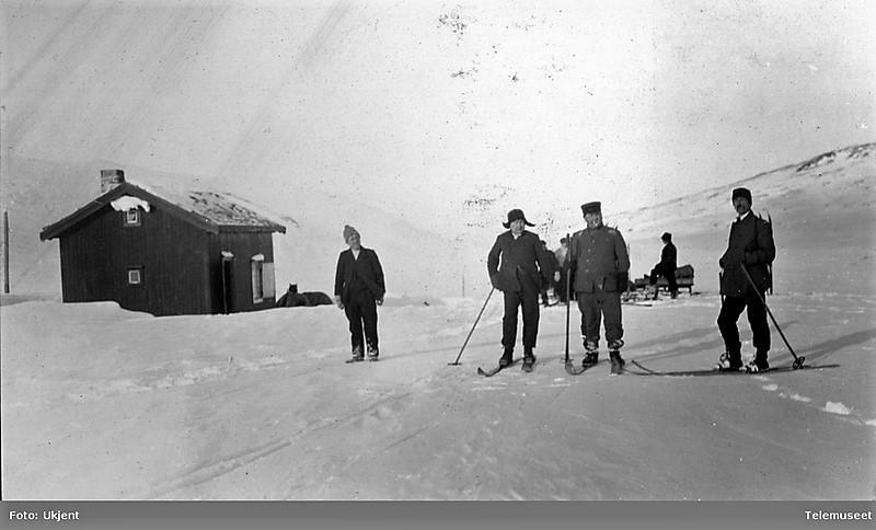 Midtistua, 7. mars 1911