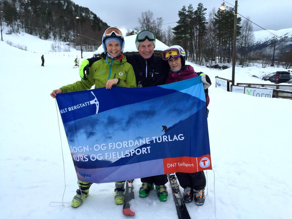 Vigdis Flaten Kvamme (KFU) og instruktørane Even Hole og Reidun Bergheim