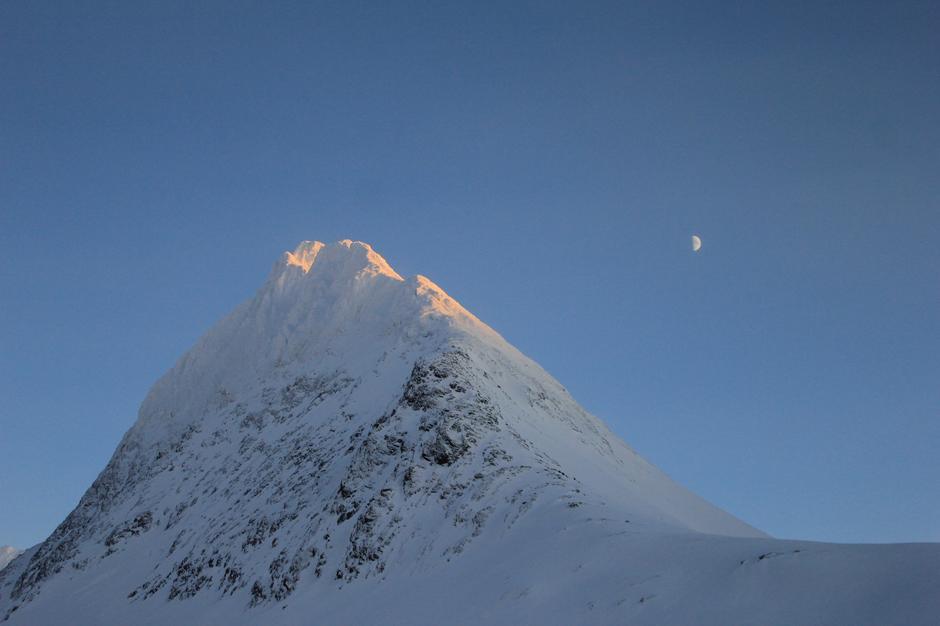 Kanskje kan turskildringer som bestigningen av Piggtinden (Balsfjord, Troms) være inspirerende?