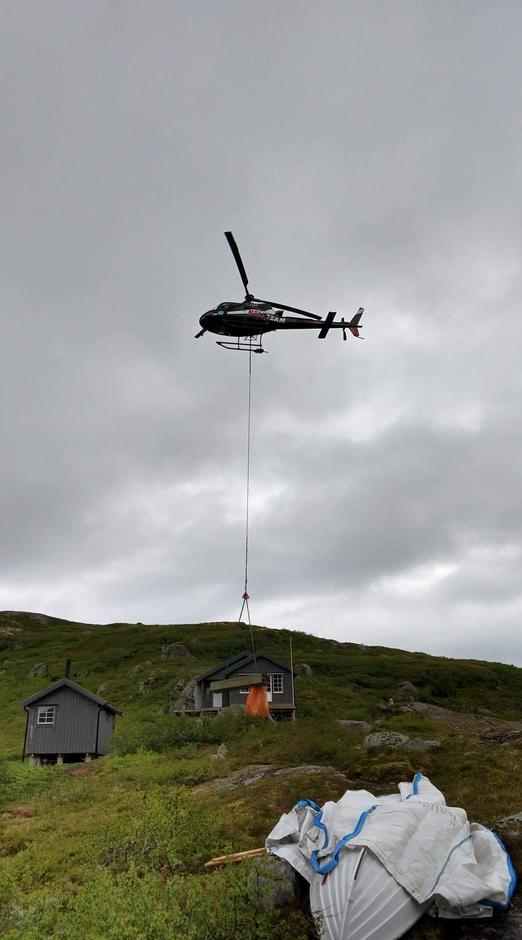 Helikopter på Nøkksætra.