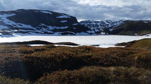 Utsikt til Kalderassen, Tjørnafjell t.v og Britenuten t.h