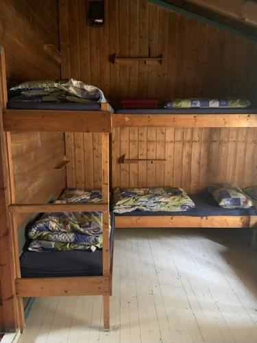 Vi fyller opp soverommet med turglade :)