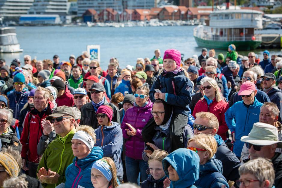 I Sandnes i Rogaland samlet det seg 1000 mennesker under markeringen for en naturvennlig fornybarsatsning.