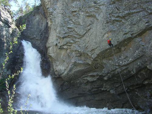 Explore Skjåk, Juvnig med 35 meters rapell i starten