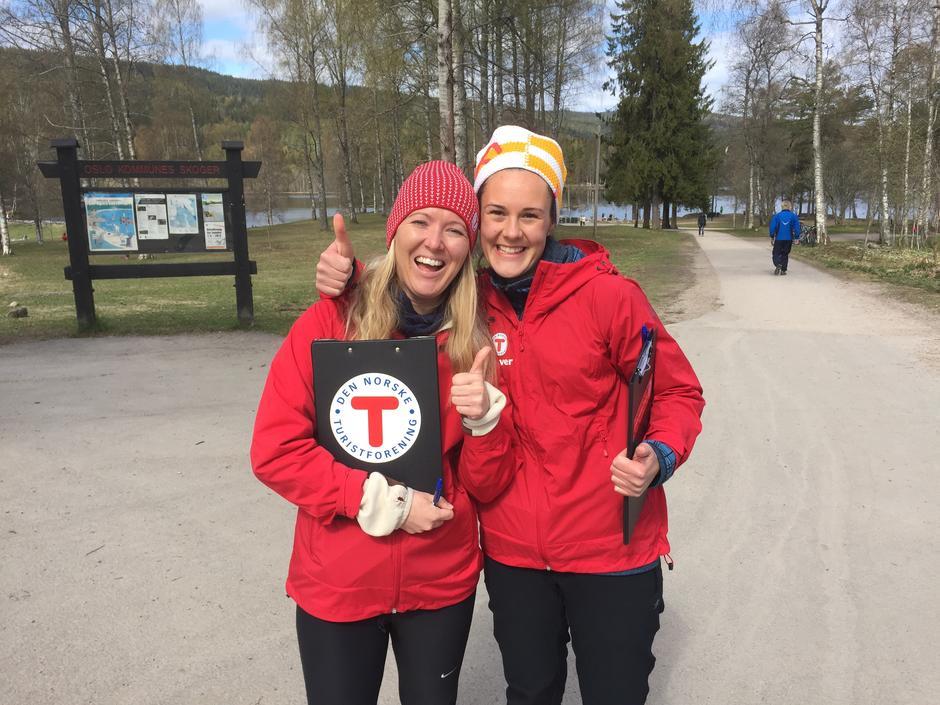 To representanter fra info- og verveteamet på plass på Sognsvann.