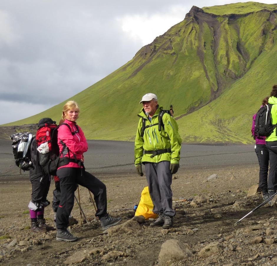 """Jan Larssen mottok """"Den Gyldne Varde"""" for lang og solid innsats for turlaget. Her avbildet under en fellestur til Island."""