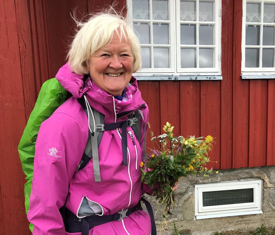 Anne-Lise Tufte fant mange blomster rundt Storerikvollen.