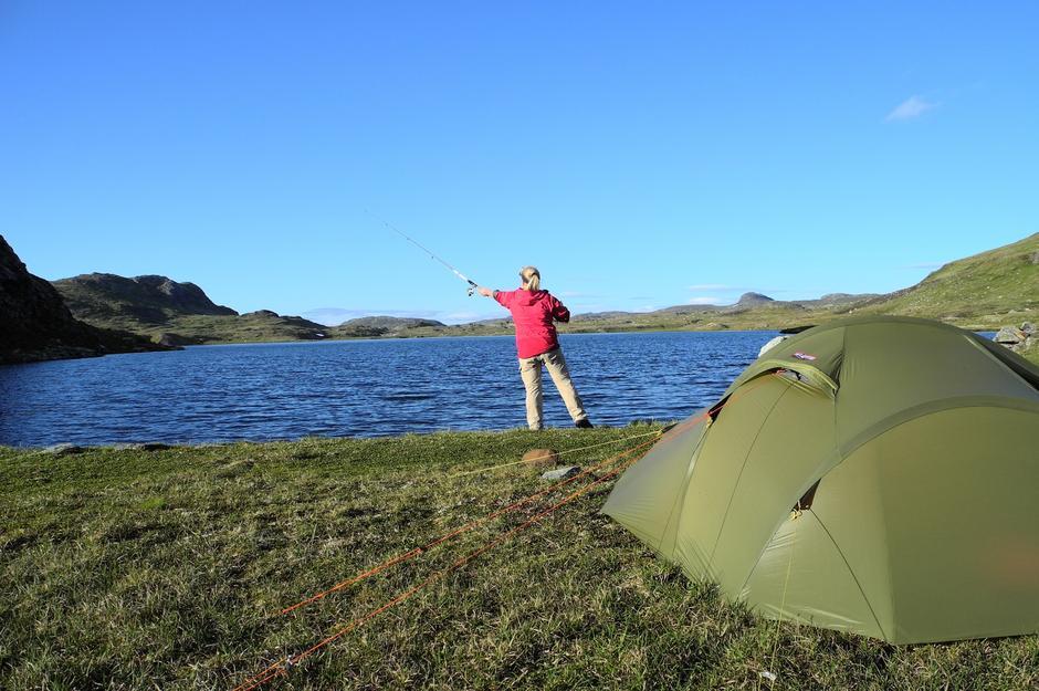 Fiske på Hardangervidda.Foto Ole Jakob Bråten