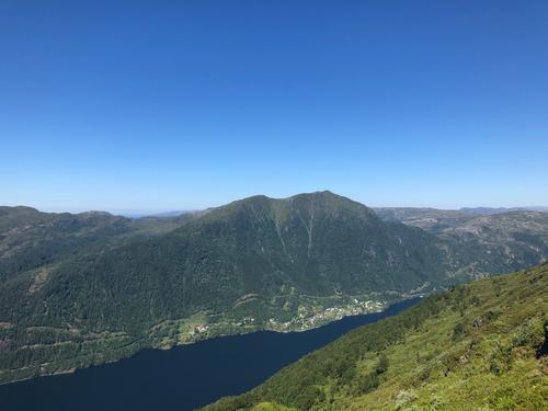 Utsikt mot Bruviknipa