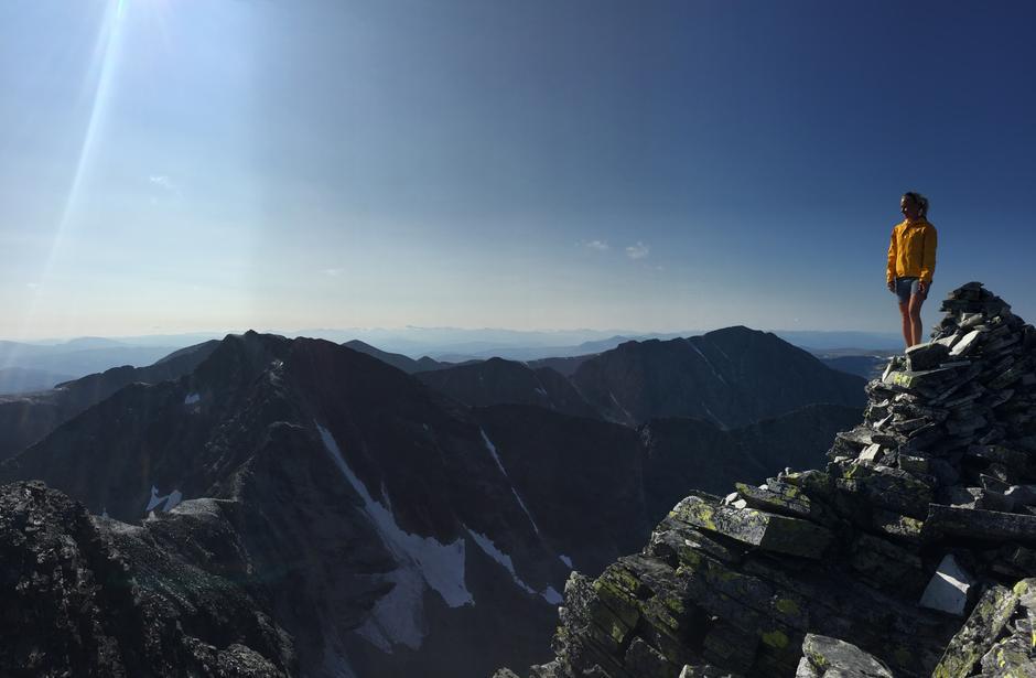På toppen av Veslesmeden i Rondane en utrolig vakker ettermiddag i august