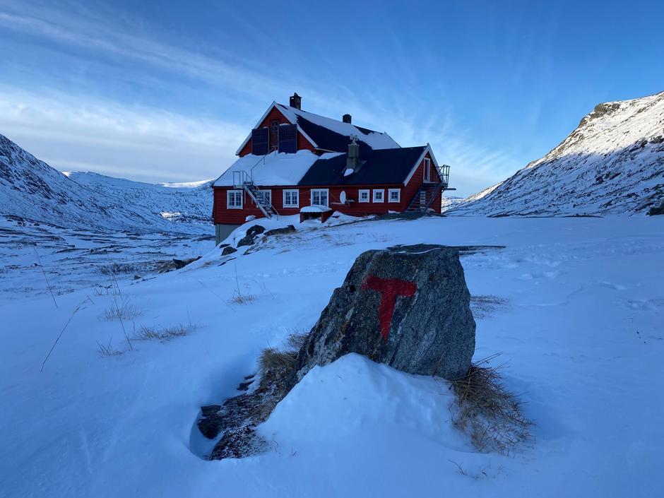 Lørdag 16.1: Stavali på Hardangervidda. Litt lite snø og noe avblåst.