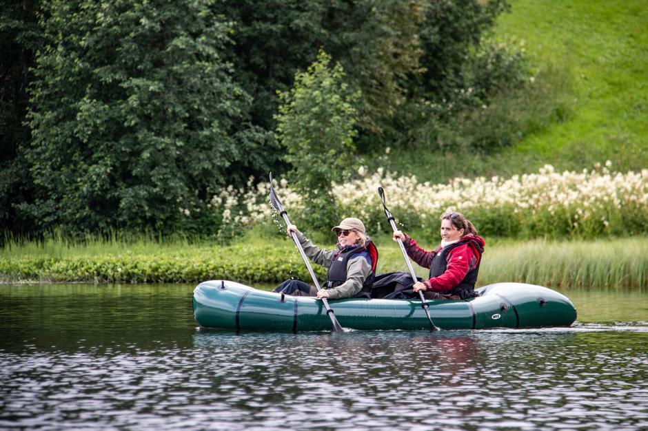 Monica Midttun Jensberg og Heidi Jensberg i MSR Adventure X2